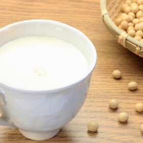 豆乳飲料(調製・特濃・無調整) 158円(税抜)