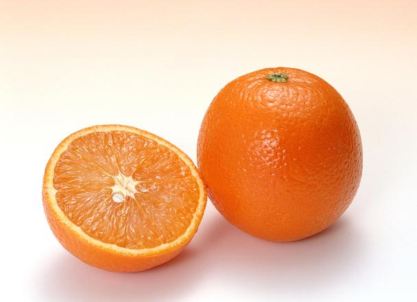 オレンジ 100円(税込)