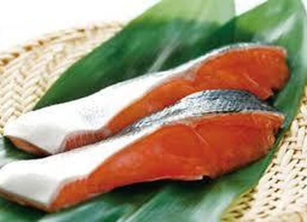 生鮭切身 178円(税抜)