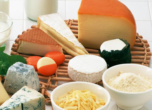 とろけるミックスチーズ 321円(税込)