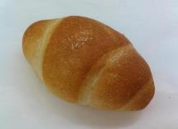 塩バターパン1個(淡路島産藻塩使用) 100円(税抜)