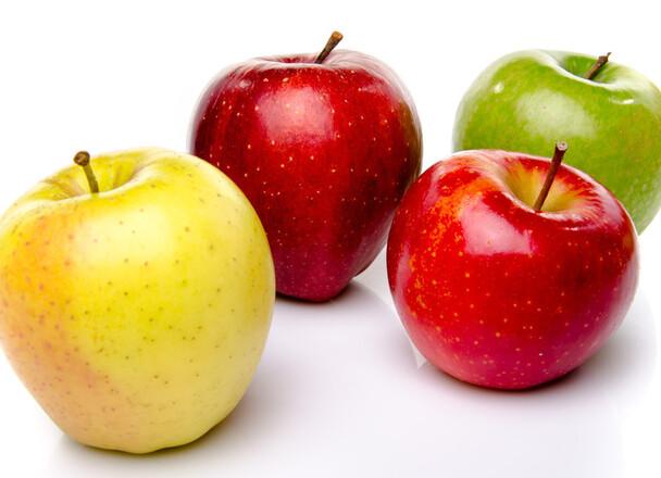 青森県産リンゴ 98円(税抜)