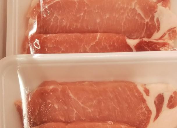 カナダ産豚ロースとんかつ用 99円(税抜)
