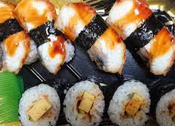 鰻寿司盛り合せ 430円(税込)