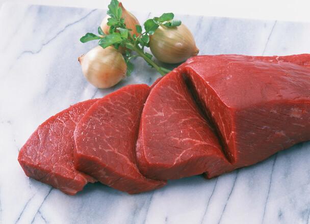 黒毛和牛ステーキ用(もも)熟成牛肉 680円(税抜)